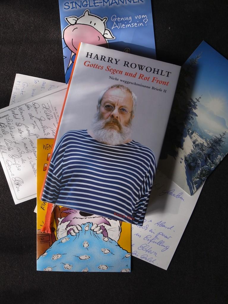 """Bild vom Buch """"Gottes Segen und Rot Front"""" von """"Harry Rowohlt""""."""