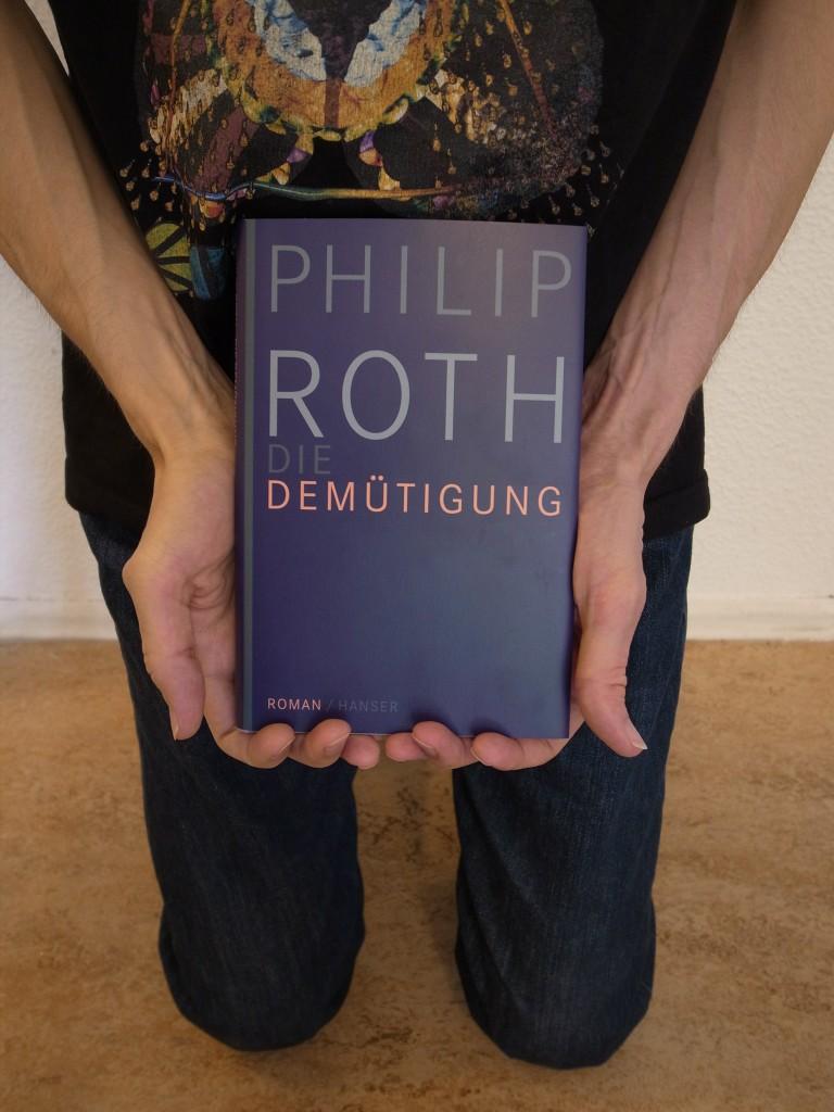 """Bild vom Buch """"Die Demütigung"""" von """"Philip Roth""""."""
